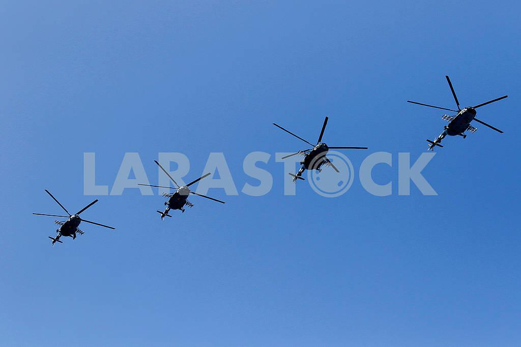 Вертолеты на параде — Изображение 73602