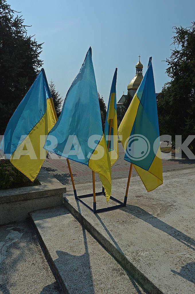 Four Ukrainian national flags — Image 73718