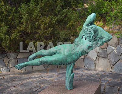 Парящая скульптура
