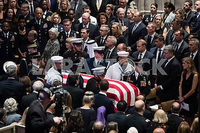 Церемония прощания с  Джоном Маккейном