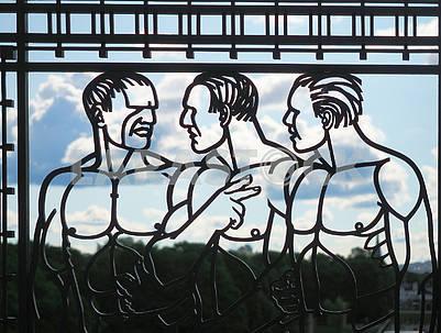 Арт-решетка в парке