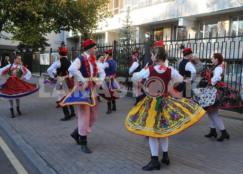 Молдавский танец — Изображение 74799