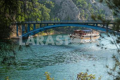 Ship under the bridge