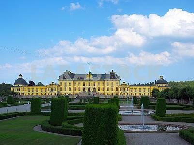 Парк и Королевский дворец в Стокгольме