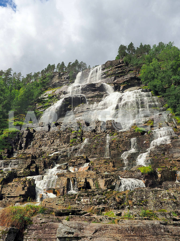 Step waterfall Tvindefossen — Image 74985