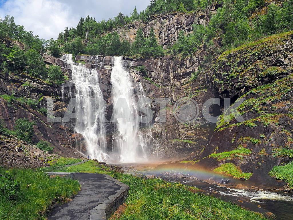 Радуга перед водопадом Твиндефоссен — Изображение 75204