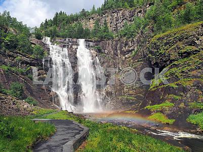 Радуга перед водопадом Твиндефоссен