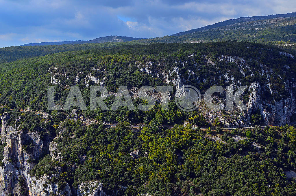 View of the majestic mountains near Gourdon — Image 75554