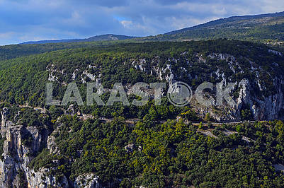 Вид на величні гори поблизу Гурдона