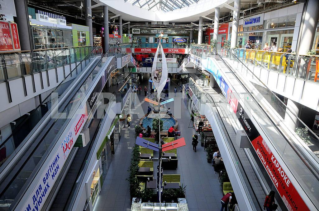 Эскалаторы и торговые помещения — Изображение 75816