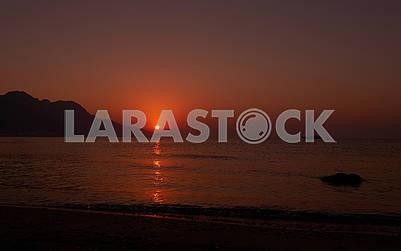 Красный рассвет на море