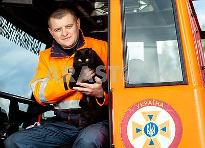Rescuer and cat
