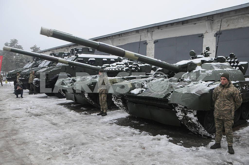 Танки на территории Киевского бронетанкового завода — Изображение 76167