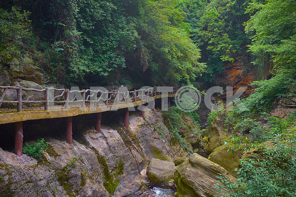 The old beautiful road to kung fu Temple in mountain — Image 76210