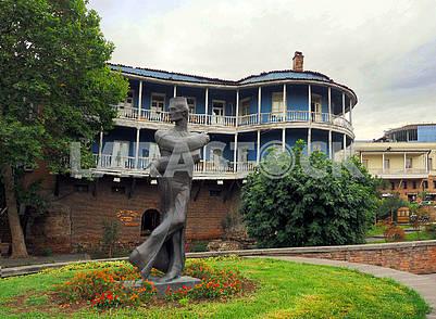 Памятник Шоте Кавлашвили