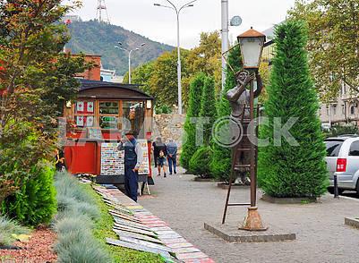 Скульптура Лампионщик