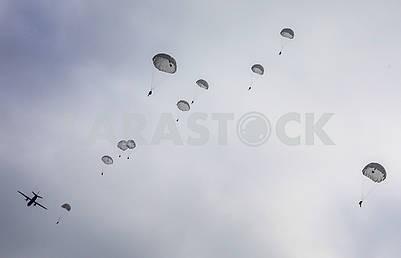 Parachutist gigs