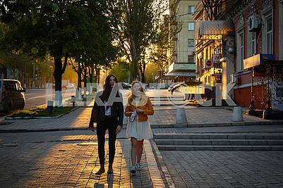 Люди и город