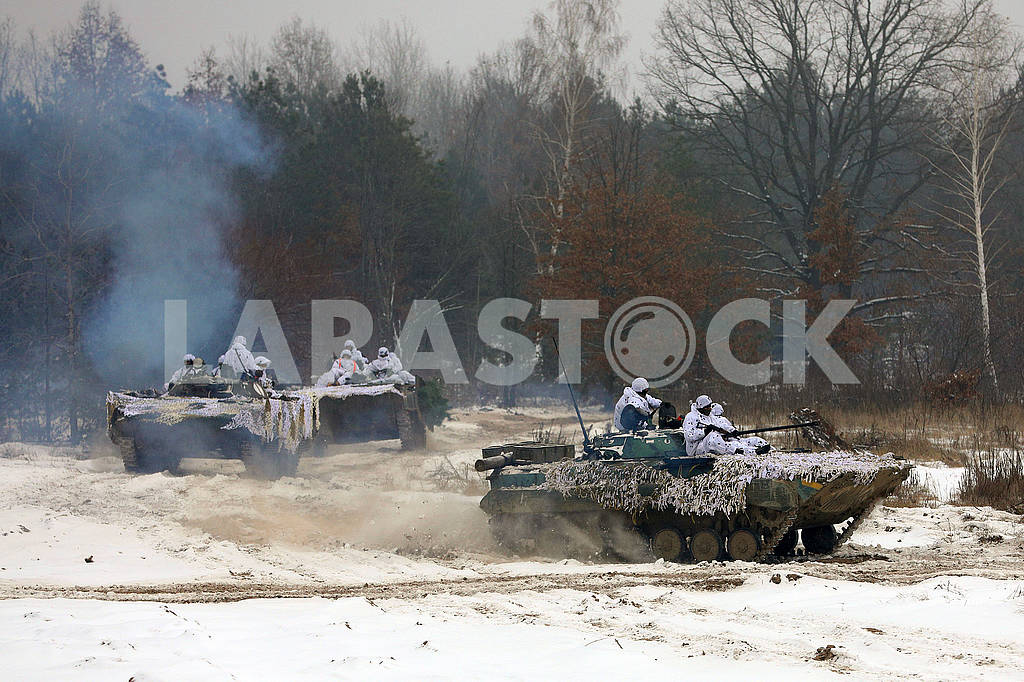 Soldiers on armored personnel carriers — Image 76767