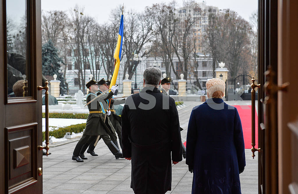Dalia Grybauskaite and Petro Poroshenko — Image 77029
