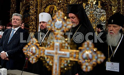 Petro Poroshenko, Metropolitan Epiphanius, Metropolitan Emmanuel