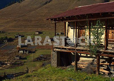 Старый дом в селе Шенако