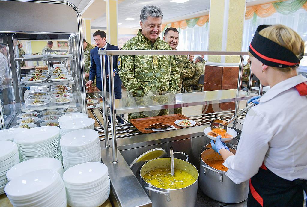 Petro Poroshenko, Stepan Poltorak — Image 77637