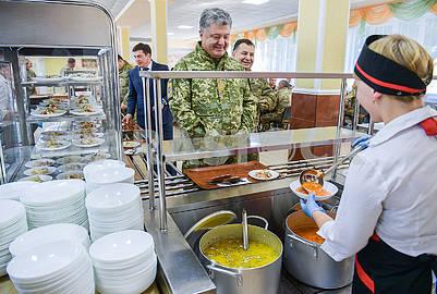 Petro Poroshenko, Stepan Poltorak