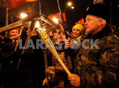 People light torches