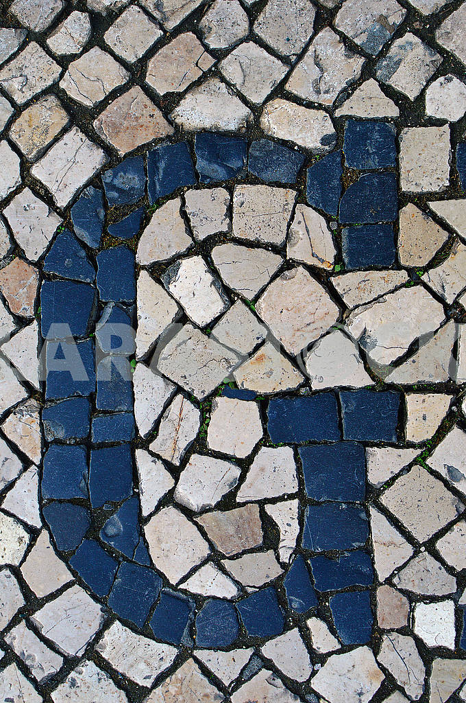 Portuguese sidewalk of calcada in the form of the letter G — Image 78339