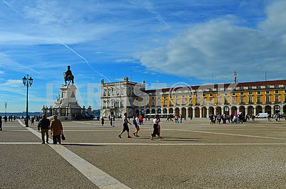 Commerce Square (common name: Palace Square) and equestrian statue of King Jose I