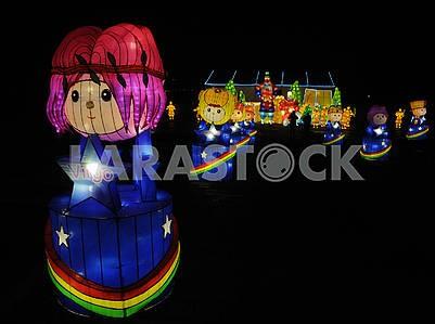Фестиваль гигантских китайских фонарей на Певческом поле