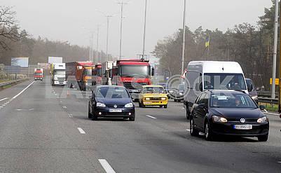 Автомобили в очереди на контрольно-пропускном пункте на въезде в Киев #969968 16.04.2020 Автомобили в очереди на контрольно-пропускном пункте на въезде в Киев Автомобили в очереди на контрольно-пропускном пункте на въезде в Киев