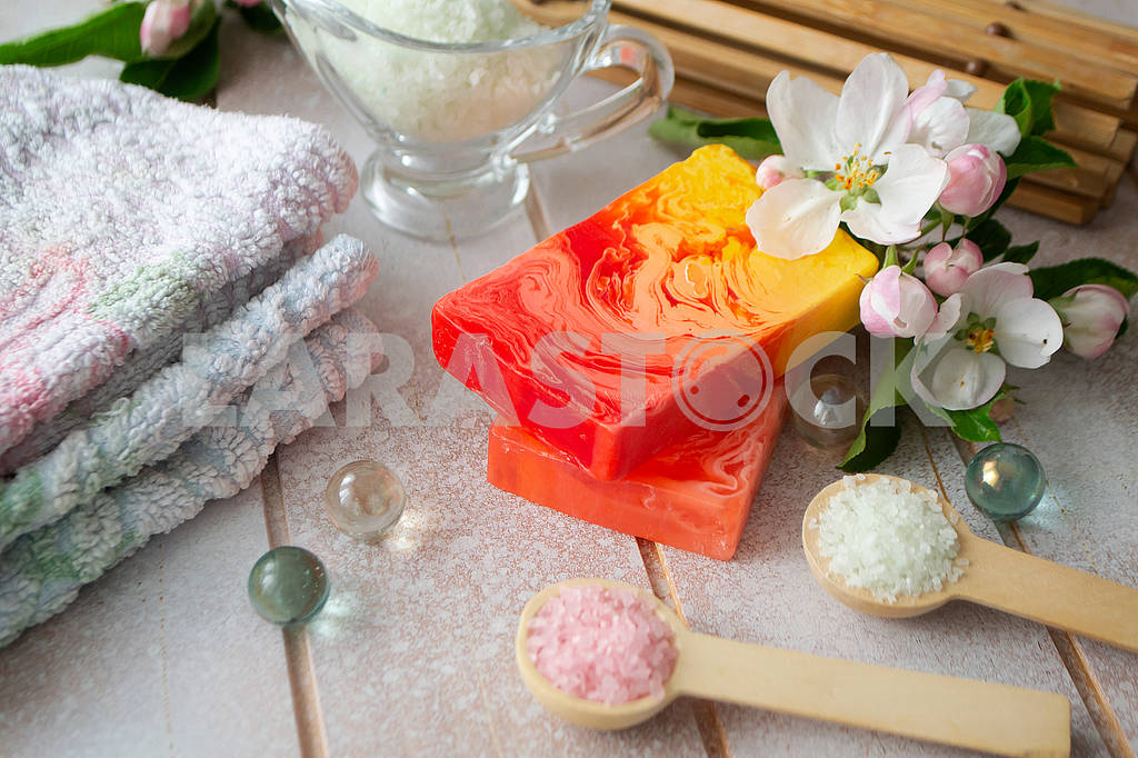 Organic natural hand made soap with rose and sakura petals, spa concept, home spa , sauna concept, relax and body care — Image 83086