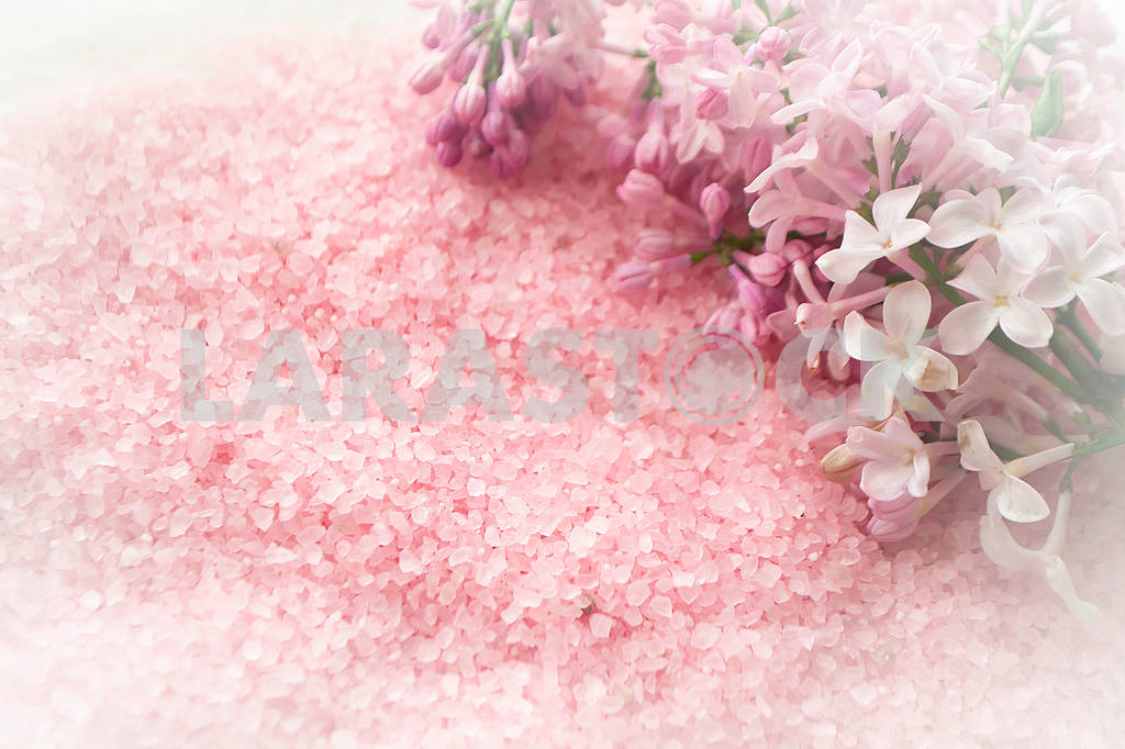 Spa concept with pink sea salt and fresh lilac flowers flat lay — Image 83155
