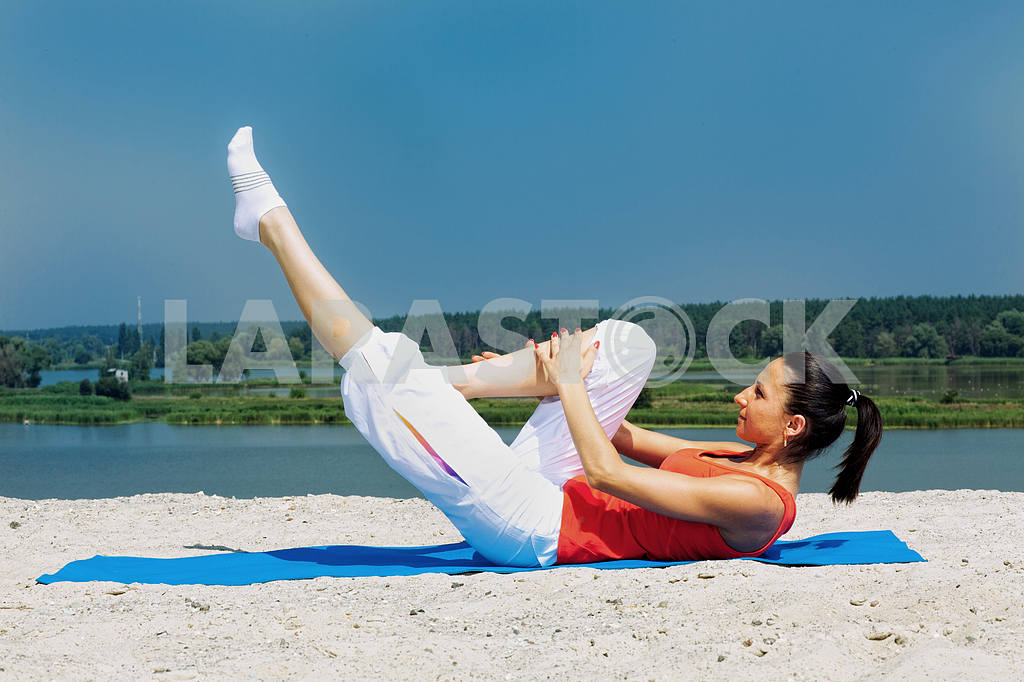 Sporting a young girl has pilates — Image 8907