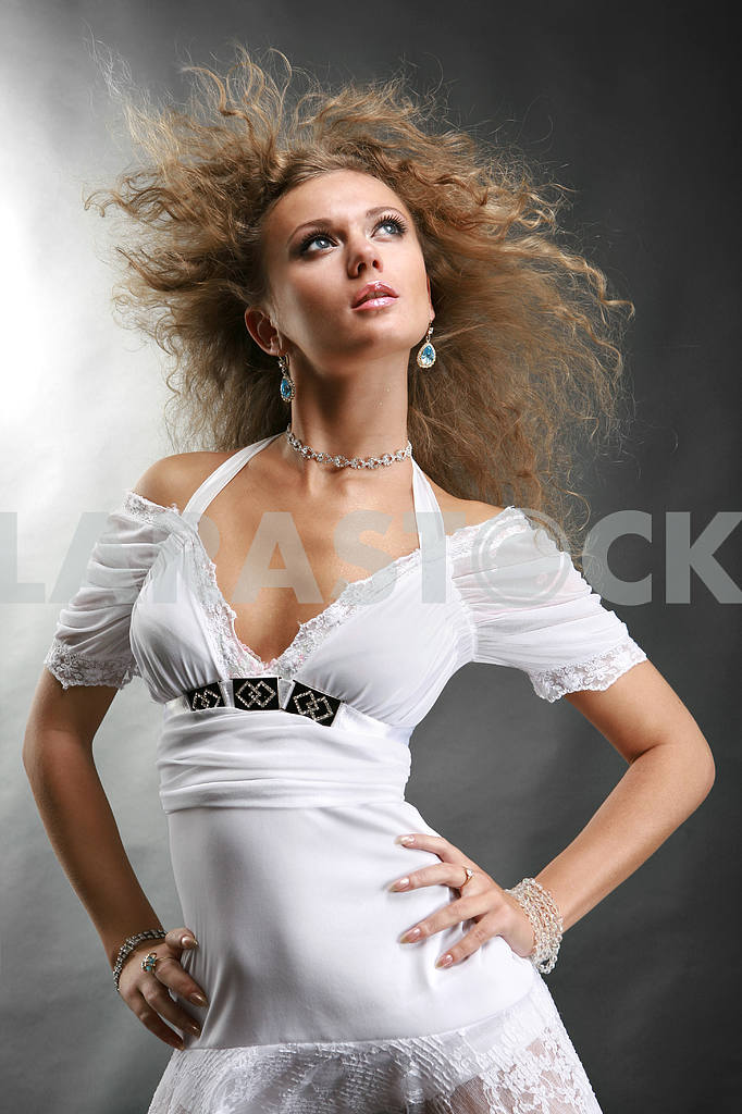 Beautiful Young Woman in a white dress — Image 9114