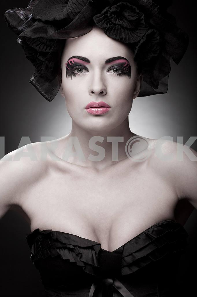 Крупным планом портрет красивой молодой женщины. Мода Арт-фото — Изображение 9755
