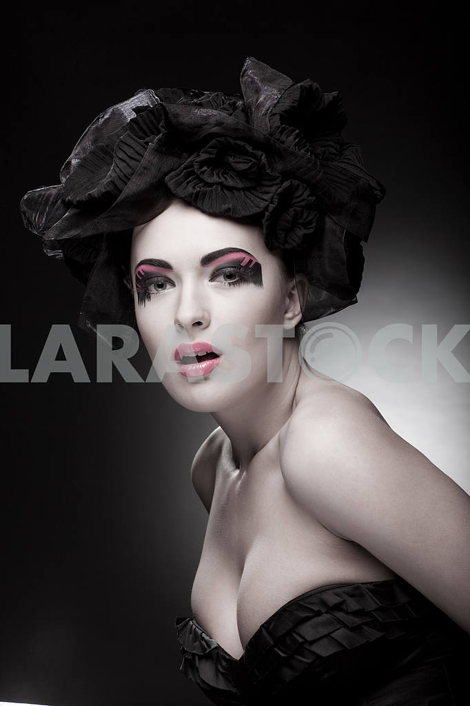 Крупным планом портрет красивой молодой женщины. Мода Арт-фото — Изображение 9775