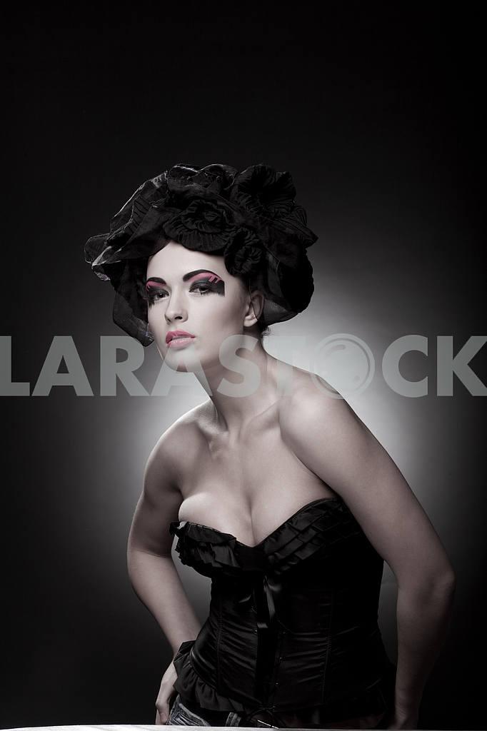 Крупным планом портрет красивой молодой женщины. Мода Арт-фото — Изображение 9780