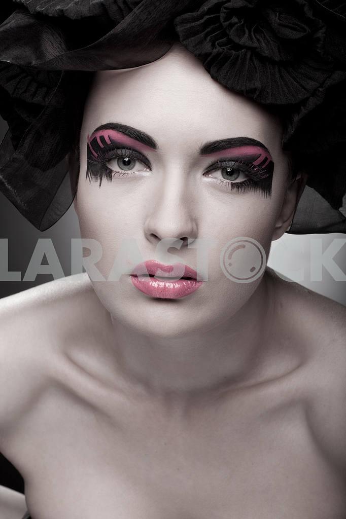 Крупным планом портрет красивой молодой женщины. Мода Арт-фото — Изображение 9826