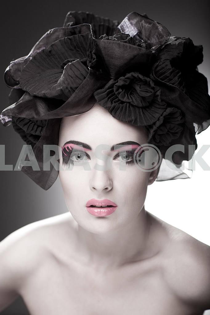 Крупным планом портрет красивой молодой женщины. Мода Арт-фото — Изображение 9835