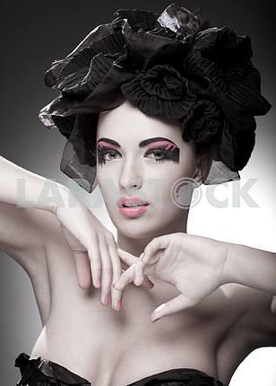 Крупным планом портрет красивой молодой женщины. Мода Арт-фото