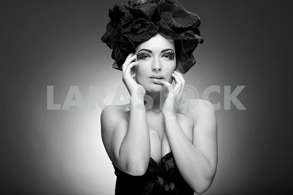 Черно-белый Портрет красивой молодой женщины. фа — Изображение 9874