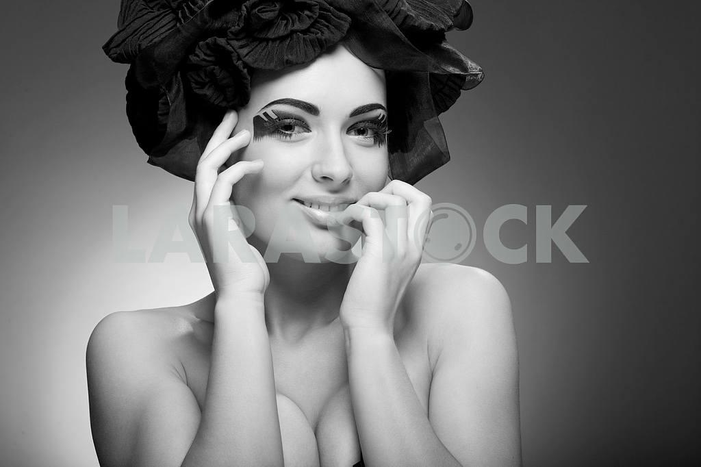 Черно- белый портрет красивой молодой женщины. Мода искусство — Изображение 9876